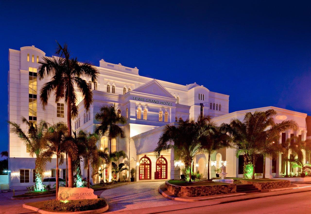 Lewis Grand Hotel